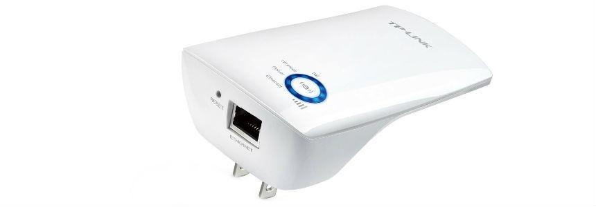 Ripetitore wifi range extender della Tp Link.